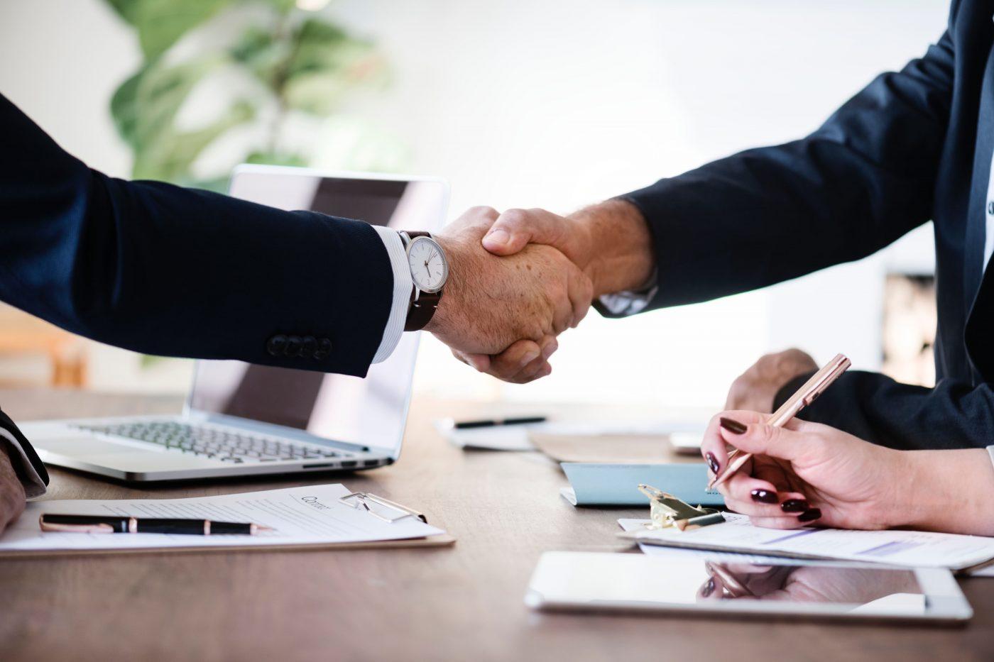 また、GCPスタッフが投資先企業の社外取締役に就任して行う、経営のサポート(ランサーズ株式会社社外取締役にパートナー高宮慎一氏、株式会社ヤプリ社外取締役にパートナー今野穰氏など)や、IPOに向けた資本政策などあり、アーリーステージのスタートアップには特に恩恵が大きい。