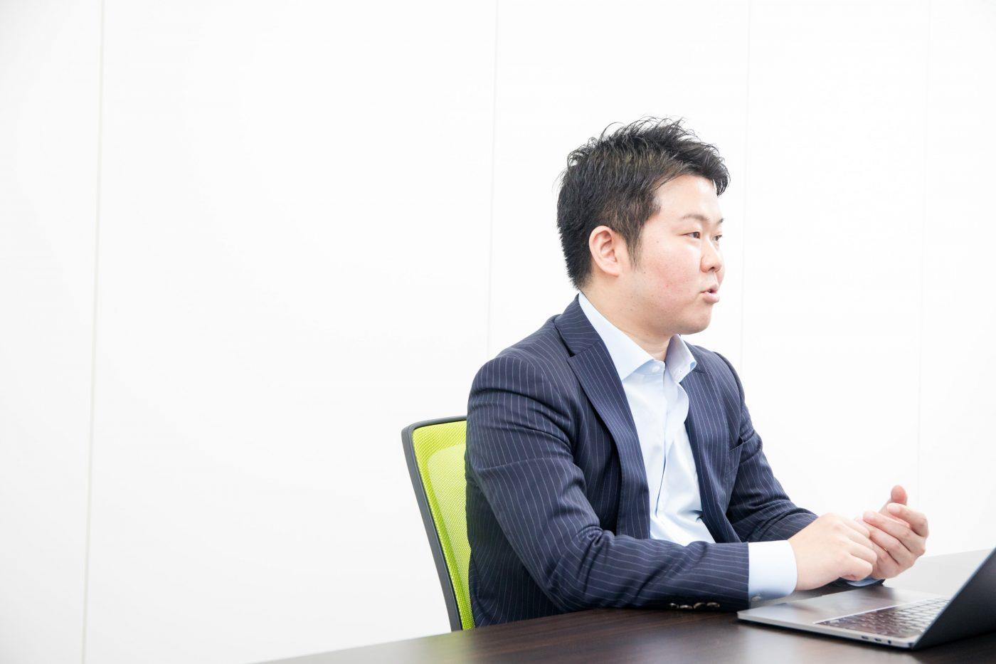 大企業であるからこその弊害を経験した吉田氏は、その後スピード感を持ってサービスを生み出したいと考え、転職活動を始める。スタートアップが次々に生まれていた2006年、彼が次のキャリアとして選んだのは、設立から約1年半しか経っていないグリー株式会社(以下、グリー)だった。