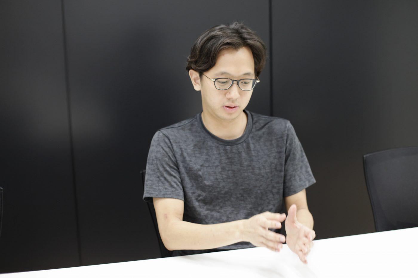 振り返ると、Azitの創業は2013年。吉兼氏が大学3年生の頃だ。ところが、現在のチームとして動いた最初の経験は大学1年生の頃まで遡る。きっかけは、大学の友人に誘われて出場したビジネスコンテストだった。