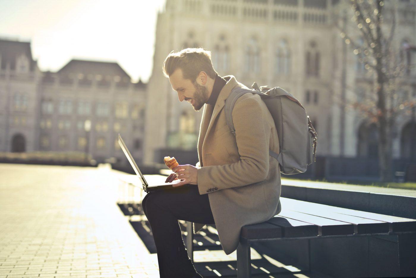 このようにエストニアは政府が主導して国民をデジタルネイティブに育成することに成功した。