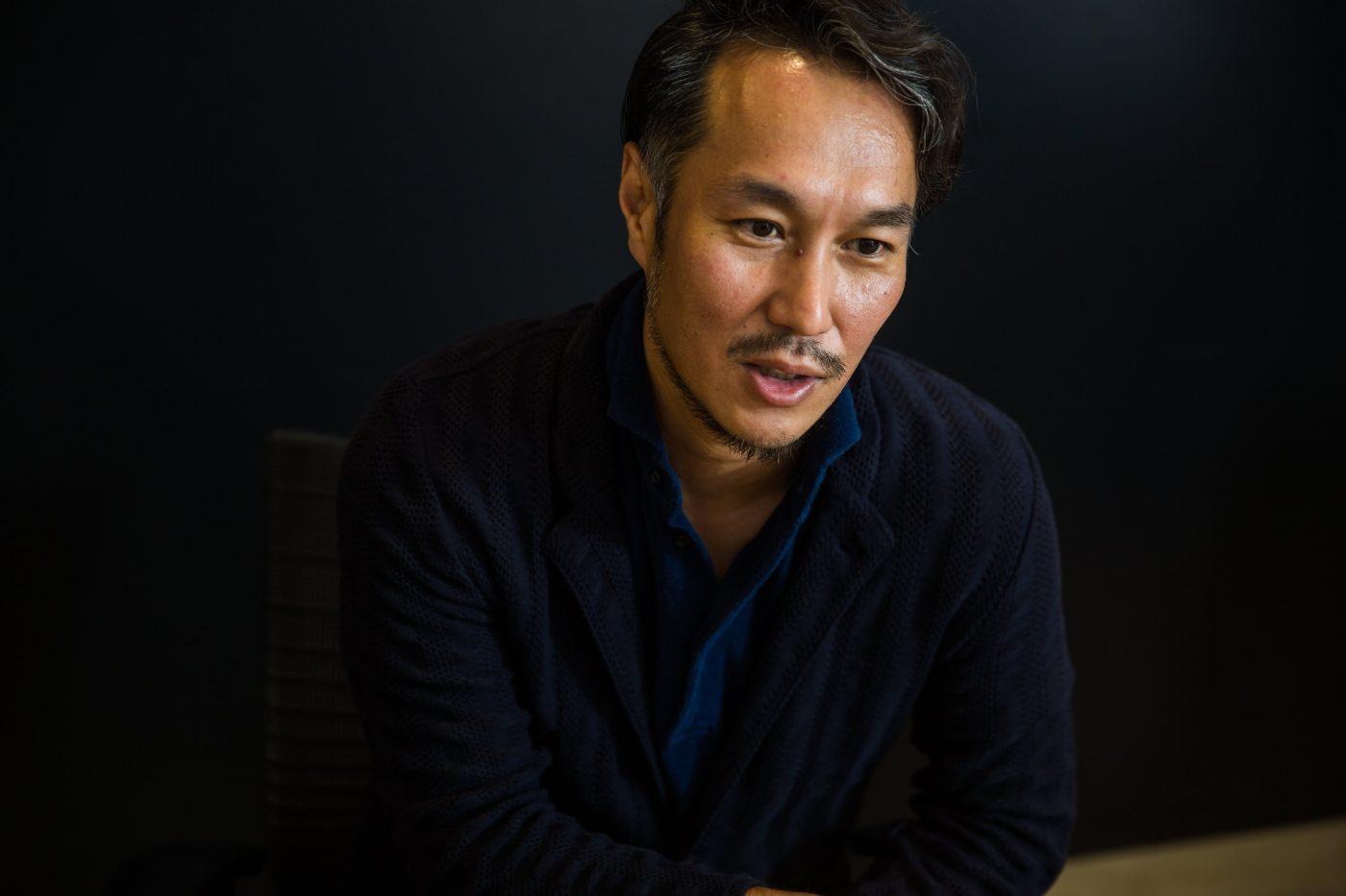 髙松氏が、メディア、引いては広告業界に興味を持ったのは15歳のとき。父が発注側として広告に携わっていたことがきっかけだった。幼少期からコンテンツに触れていた昔を、髙松氏はこう語る。