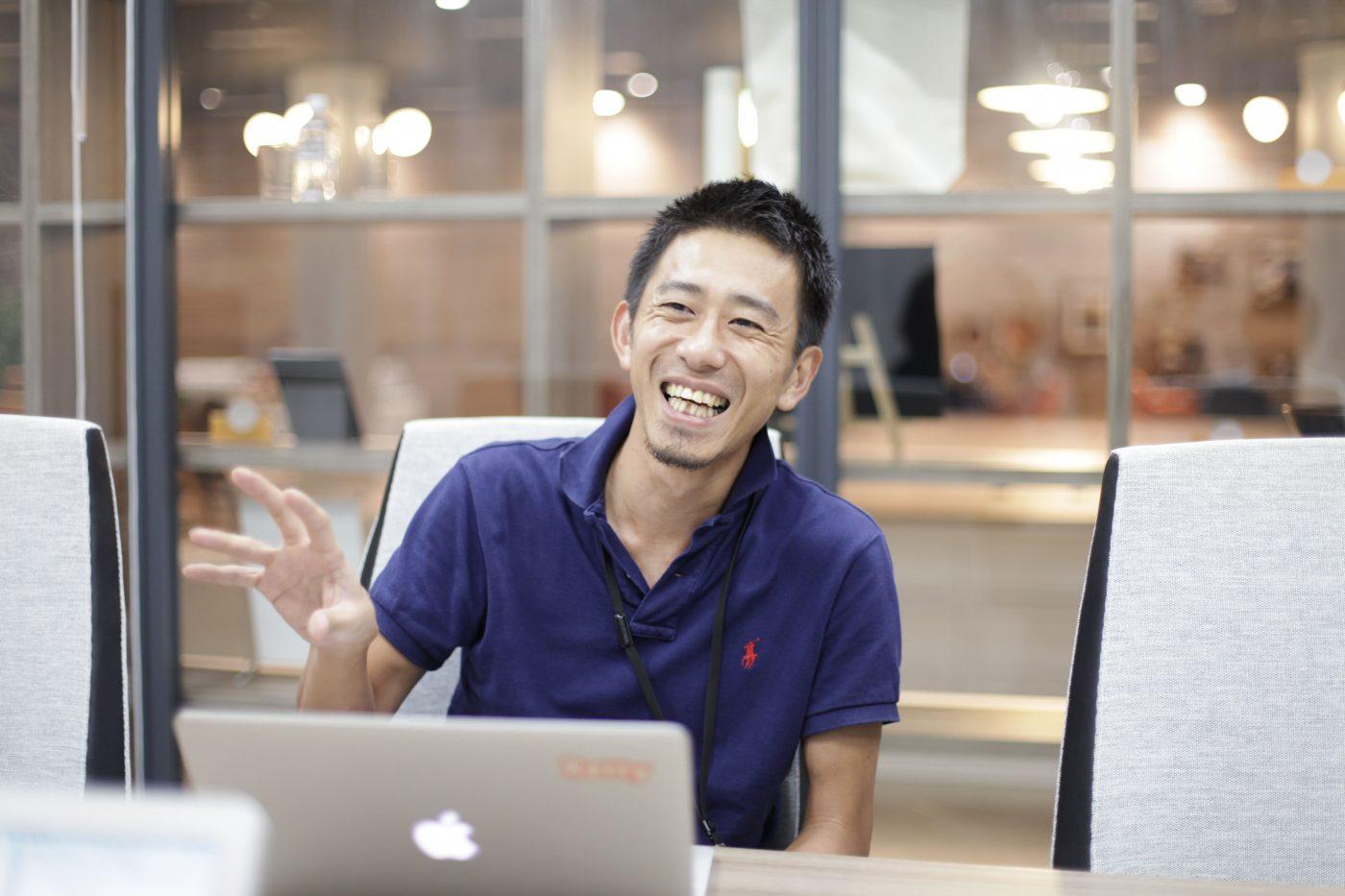 その後、武田氏は株式会社ネットエイジ(以下、ネットエイジ)に就職する。ECサイトを継続して学び続けるか悩んだ末での決断だった。決断のきっかけは、今後伸びる市場をモバイルに見出したことだ。