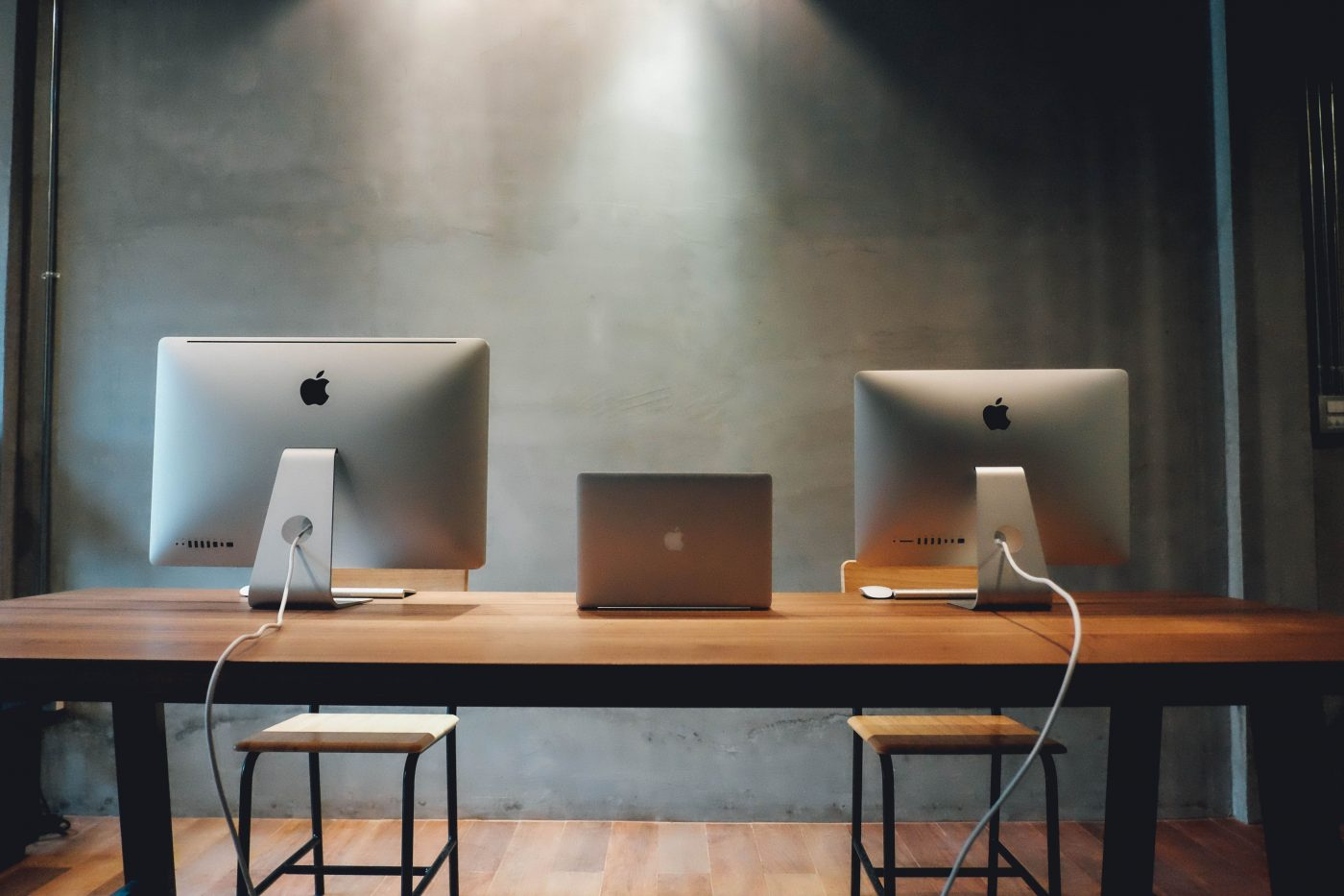 2019年1月30日に今年度1Qを終えたApple Inc. がプレスリリースを発表した。全体の売上高が予想を下回ったものの、サービス・Macおよびウェアラブルの売上高が新記録を達成した。