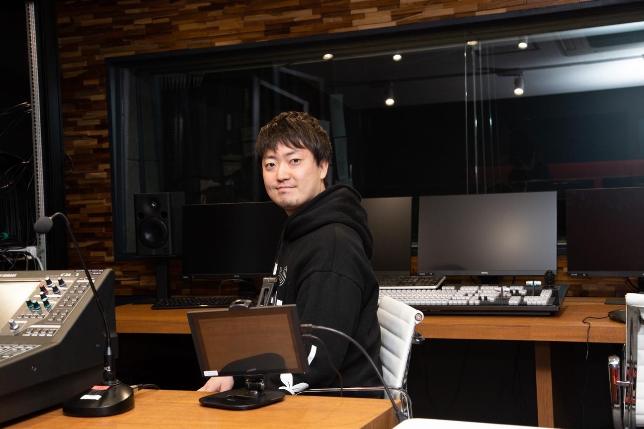 大坂武史(おおさか・たけし) ー1986年生まれ。「人を活かす」ために「生きる世界の選択肢を増やす」をMissionにActiv8株式会社を設立。同社、Founder / CEO。バーチャルタレントのプロデュースや、バーチャルタレントの活動を支援するためのプロジェクトupd8を運営。