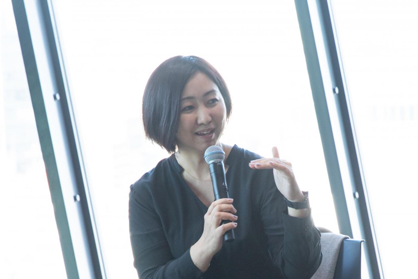続くピッチの登壇者はPlug and Play Japanの執行役員 藤本あゆみ氏。同社は公募によって選ばれた起業家に対し、3ヶ月の期間限定で支援を実施。過去200社に対して、専門スタッフによる経営アドバイスや、投資家・経営人材のネットワークを提供してきた。